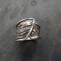Wrap over ring with sterling silver, copper and 18ct gold applique, Size US 8