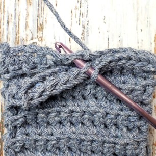 Free Crochet Pattern: Granny Stripe Boot Cuff