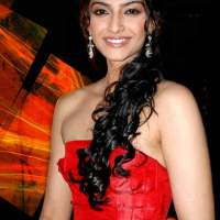 Sonam Kapoor Measurements, Height, Weight, Bra Size, Age