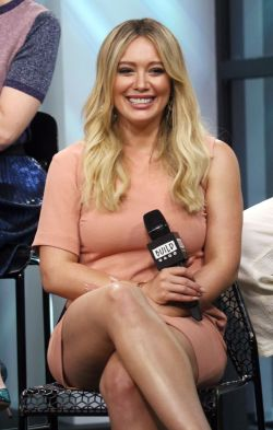 Traditional Cast On Aol Build Series Hilary Duff Cast Hilary Duff Lear Pants 2018 Hilary Duff Lipstick On Aol Build Series New Yorkcity Hilary Duff