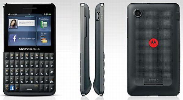 First look: Motorola's Facebook Phone – the MotoKey Social ...