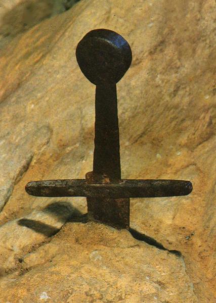 Parsifal in Toscana: a San Galgano rivive la leggenda del cavaliere