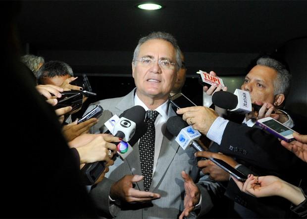 ACUSADO DE DESVIOS DE DINHEIRO PÚBLICO: OAB pede afastamento imediato de Renan da presidência do Senado