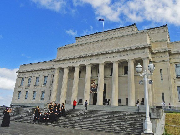 free things to do in Auckland war memorial museum (575x432)