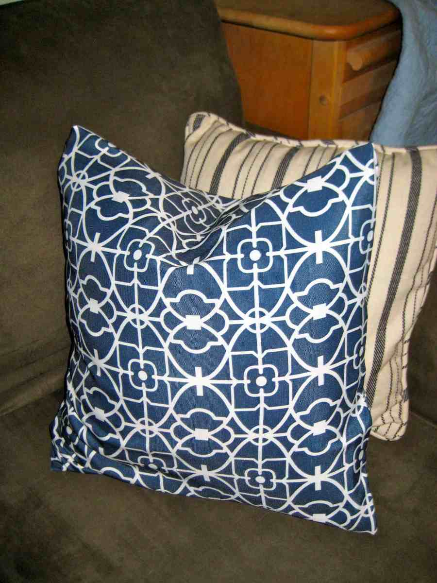 "Easy Peasy No-Sew Pillow ""Envelope"" Style Covers"
