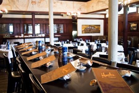hanksseafoodrestaurant interior6