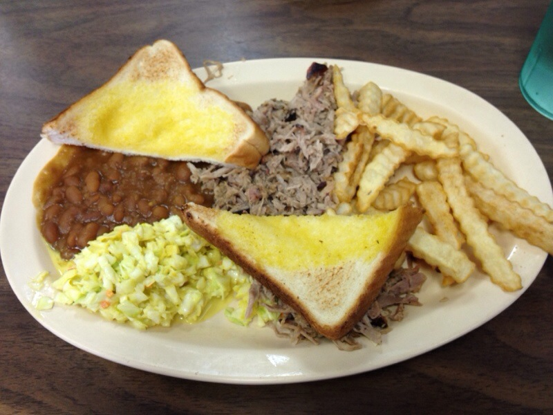 Porkers BBQ is a downtown Chattanooga mainstay. They've been around on Market Street since 1989 and are a go-to spot for Chattanooga BBQ. | restaurant review from Chattavore.com