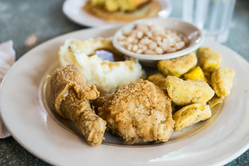 Located in the heart of downtown Chattanooga, Southern Star Chattanooga serves homemade Southern comfort food in a welcoming atmosphere.   restaurant review from Chattavore.com