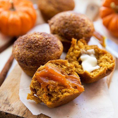 Healthier Pumpkin Cheesecake Muffins (with Greek Yogurt)