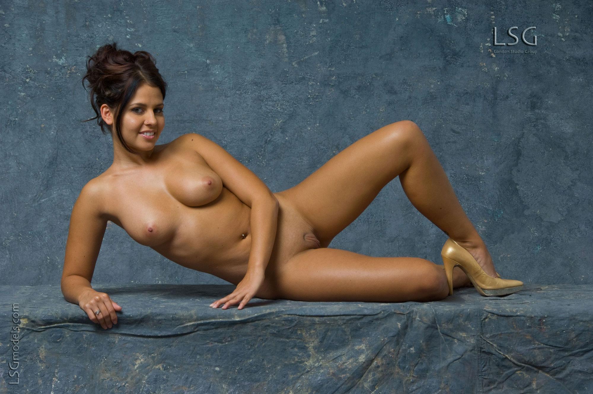 Sorry, Naked indian girls hi res boring