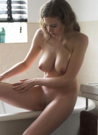domai natural nude women