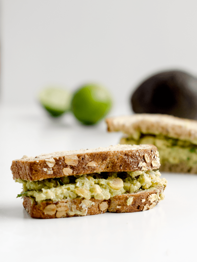 This chickpea avocado sandwich is a fresh take on a healthy (and easy) lunch! | www.chicandsugar.com