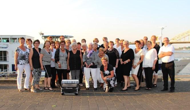 Chic en Shanty, Vrouwenkoor Brummen, Foto's, foto