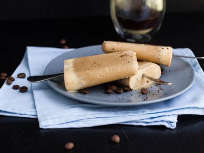 vietnamese-iced-coffee-popsicles-8