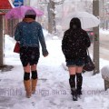 japanese-girls-wearing-shorts-in-winter-showing-off-legs-13