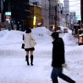 japanese-girls-wearing-shorts-in-winter-showing-off-legs-16