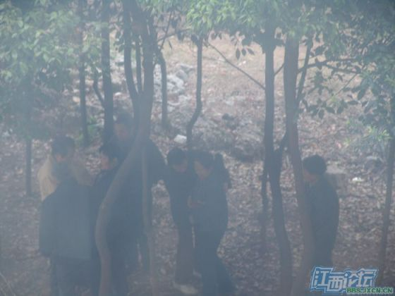 chinese-elderly-in-woods-doing-naughty-things-nanchang-15