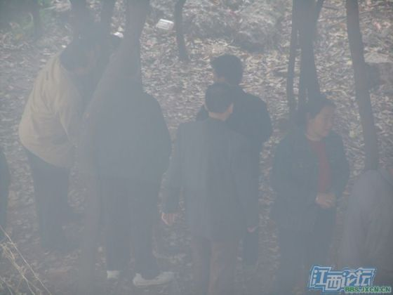 chinese-elderly-in-woods-doing-naughty-things-nanchang-18