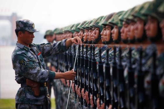 chinese-army-trianing-for-national-day-parade-60th-anniversary-01