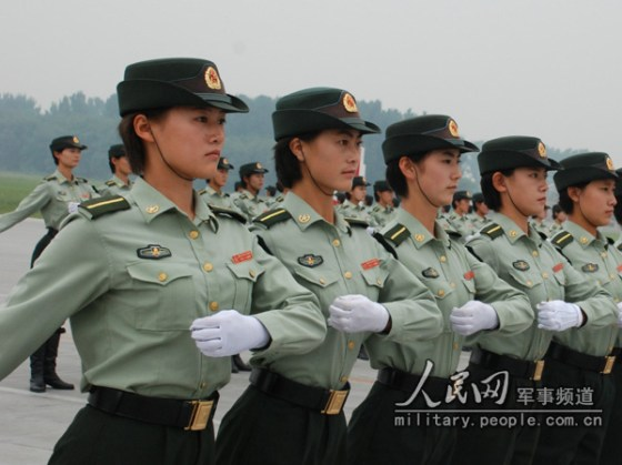 chinese-army-trianing-for-national-day-parade-60th-anniversary-06