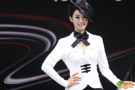 Famous Chinese car model 'Shou Shou' Zhai Ling