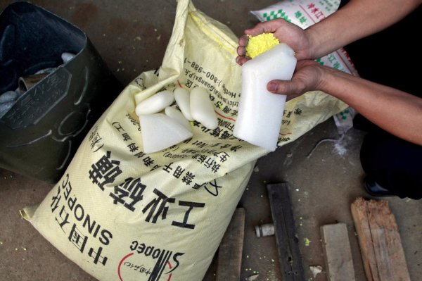 Industrial sulfur and paraffin wax discovered being used to manufacturing disposable chopsticks at 3 factories in Guangxi, China.