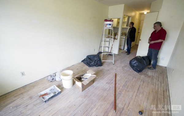 Luka Rocco Magnotta's apartment being cleaned.