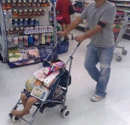 Father used the stroller as the shopping cart