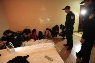 china-dongguan-prostitution-crackdown-raids-after-cctv-expose-12