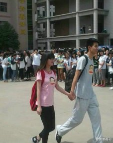chinese-high-school-students-celebrate-end-of-gaokao-college-entrance-exam-test-03