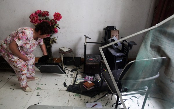xian-china-home-invasion-forced-demolition-residents-beaten-intimidated-02