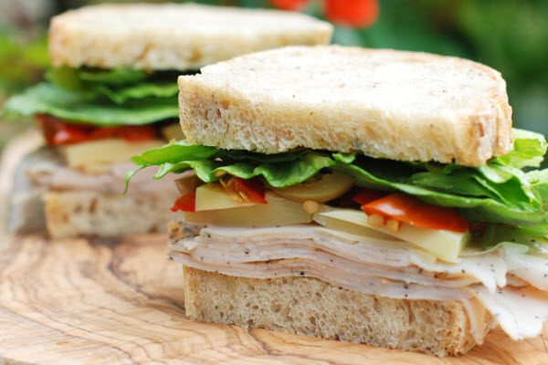 turkey-and-swiss-cheese-sandwich.jpg?resize=600%2C400
