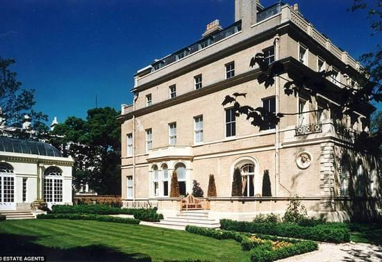 Chinese Real Estate Tycoon Buys Home In England