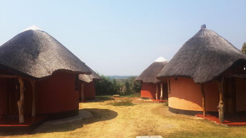 kamutamba-guesthouse-chalets-ibenga