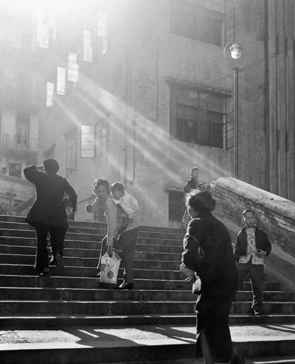 street-photography-hong-kong-memoir-fan-ho-41-640x789