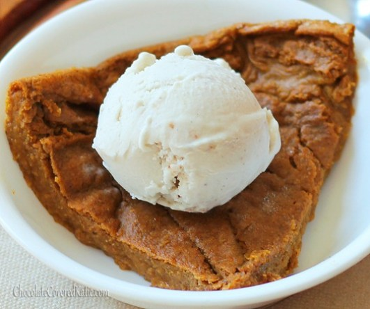 Perfect for those who want to avoid holiday weight gain without giving up dessert, this crustless pumpkin pie is so low in calories that you could actually eat the ENTIRE pie (8 servings) for under 450 calories! http://chocolatecoveredkatie.com/2012/11/08/crustless-pumpkin-pie/