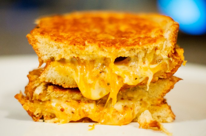 Grilled Cheese sandwich, grilled cheese, cheese, sandwich, recipe, easy lunch, perfect, foodporn, delicious, yummy, quick recipe, gruyere, brie, cheddar