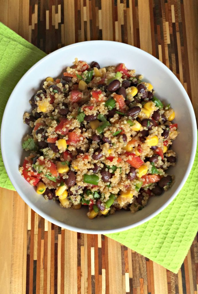 This Southwest Quinoa Salad is a perfect mix of vegetables, grains and ...