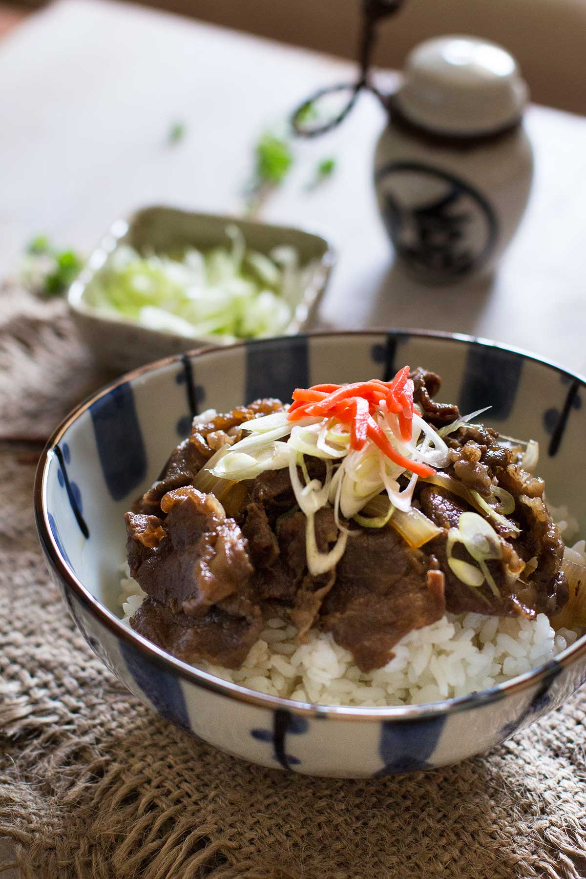 Gyudon Japanese Beef Bowls 牛丼 | Chopstick Chronicles