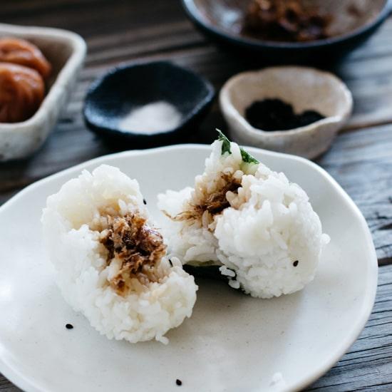 Onigiri- Japanese Rice Balls おにぎり