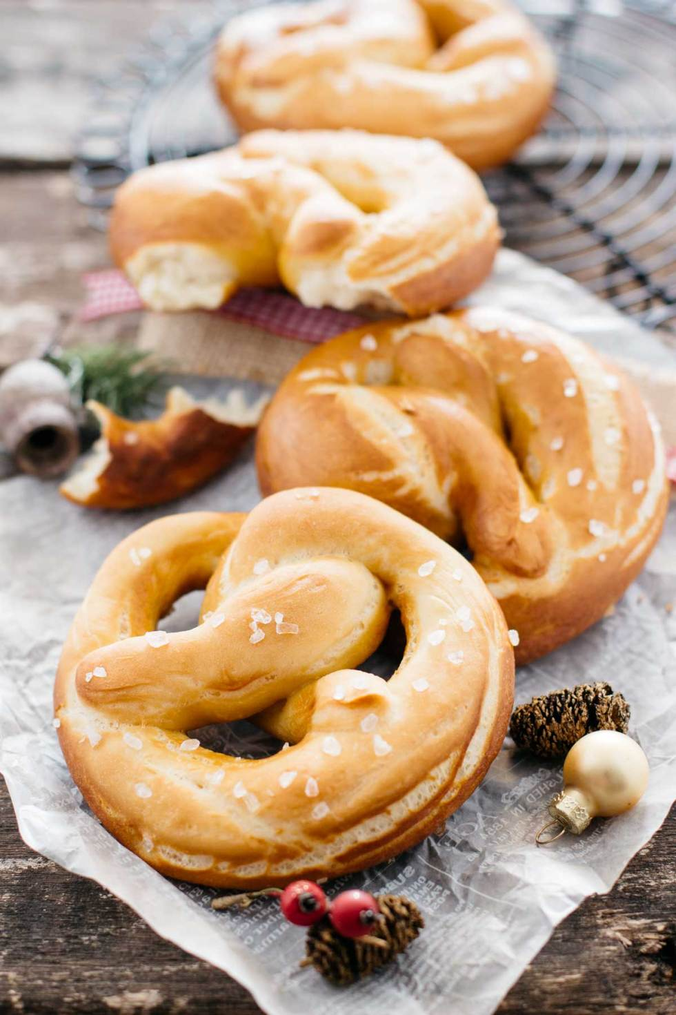 Easy soft pretzels
