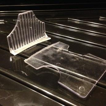 broken-card-tray