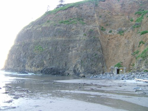 The cliff tunnel entrance in Oceanside