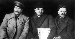 Stalin, Lenin y Trotsky en los viejos tiempos.