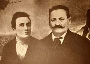 Rosa y Alesandro Mussolini.