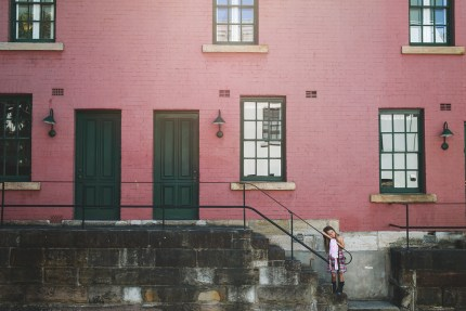 photographers sydney - girl in the Rocks Sydney