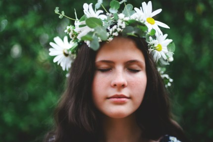 family photography sydney - girl with flower crown