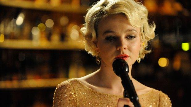 Carey Mulligan in una scena del film Shame