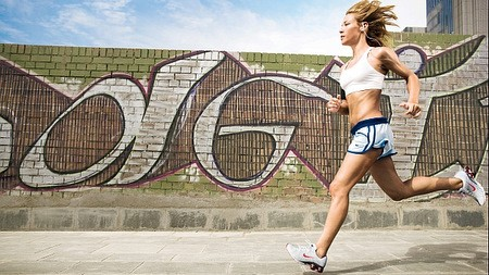 Vestiti che producono energia grazie al movimento del corpo