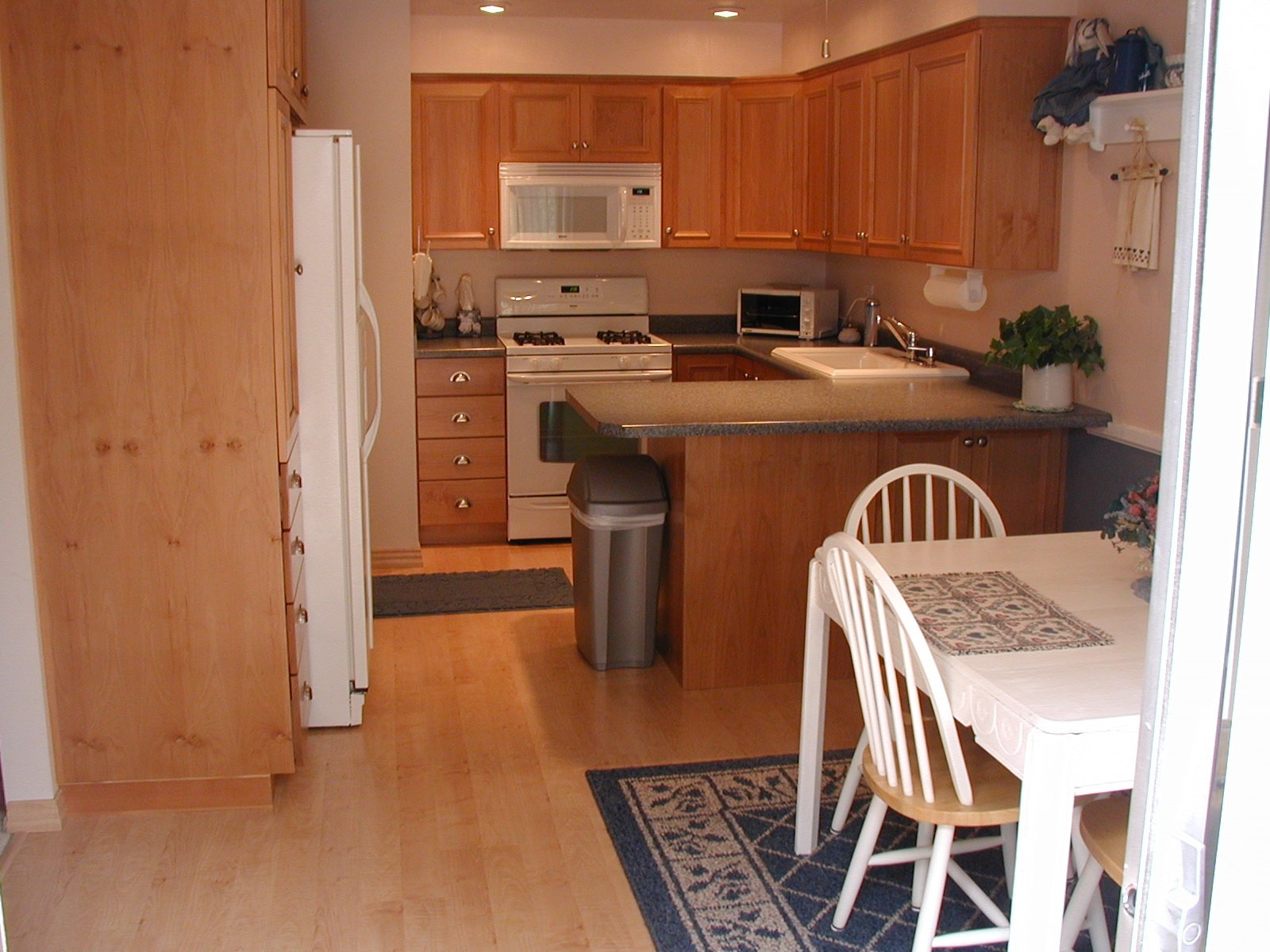 color wood floors 3 kitchen wood floors color of wood floors kitchen 6